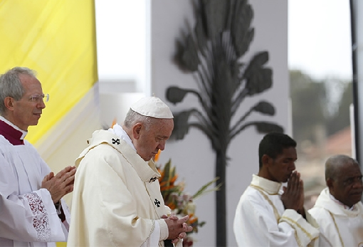 images/previews/news/2019/09/p-2019-09-09-PopeMadagascarMassMAIN.jpg
