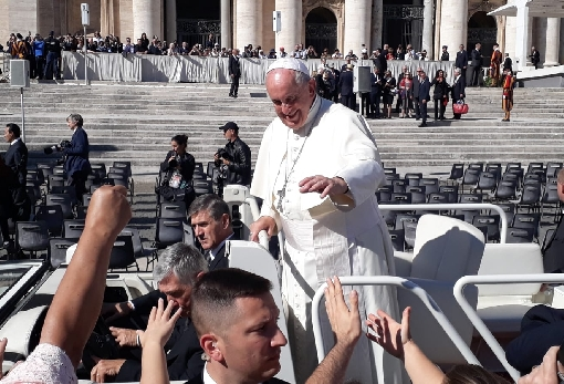 images/previews/news/2019/10/p-2019-10-09-papa-Francesco-figlie.jpg