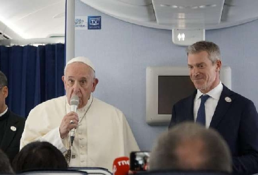 images/previews/news/2019/11/p-2019-11-27-pope_on_japan_flight_2.jpg