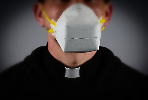 images/previews/news/2020/10/p-2020-10-27-2019priest_mask2.jpg