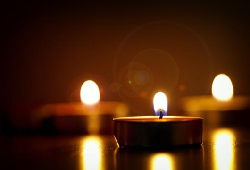 images/previews/news/2021/02/12930/p-2021-02-24-close-up-photography-of-lighted-candles-722653.jpg